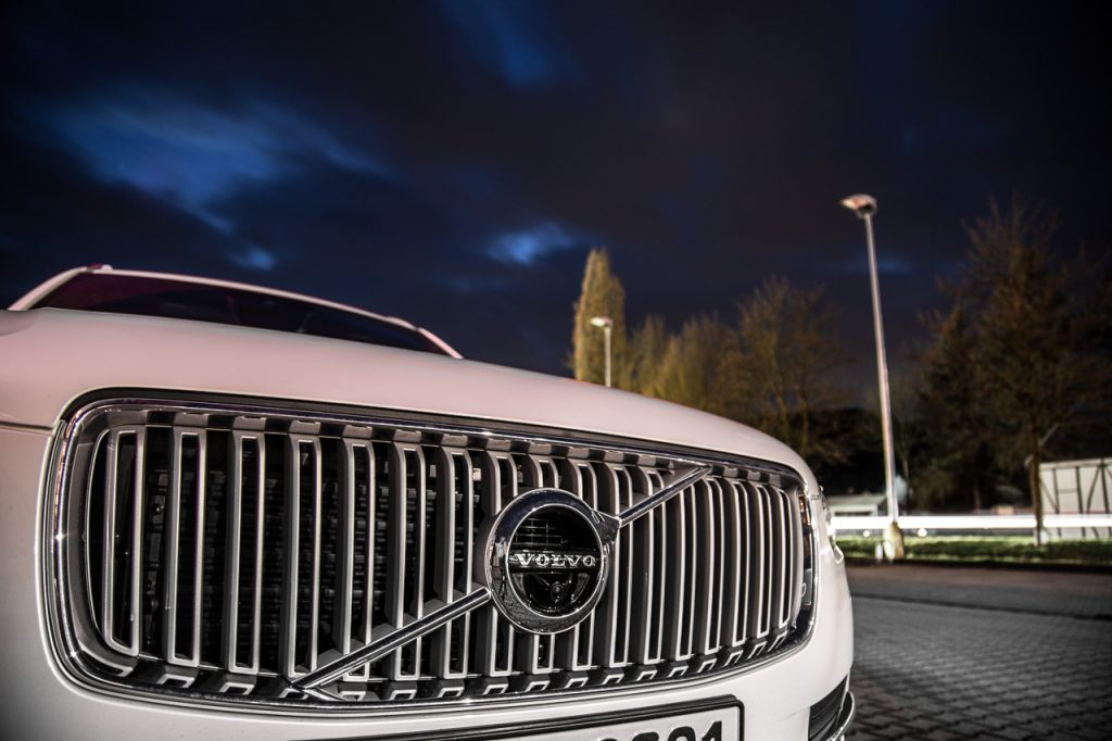 volvo xc 90 grill front