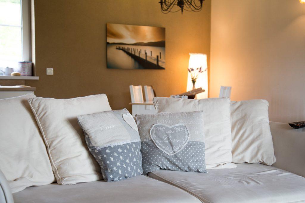 relax cottage mon petit chalet wohnzimmer