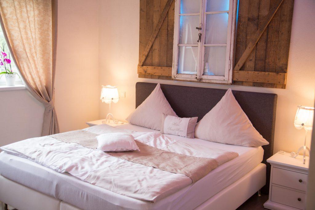 relax cottage mon petit chalet elternschlafzimmer