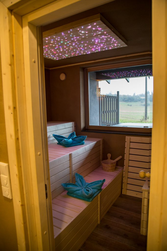 sauna relax cottage suite phantasia
