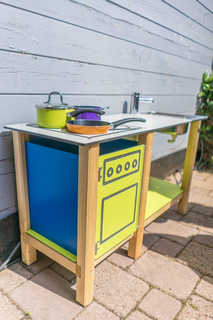 matschküche mit Wasseranschluss