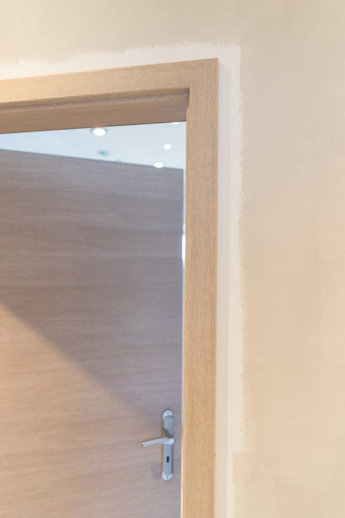 gro e renovierungsaktion mit alpina feine farben hier. Black Bedroom Furniture Sets. Home Design Ideas
