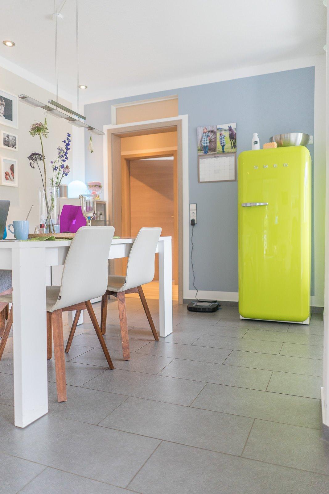 farbe streichen swalif. Black Bedroom Furniture Sets. Home Design Ideas