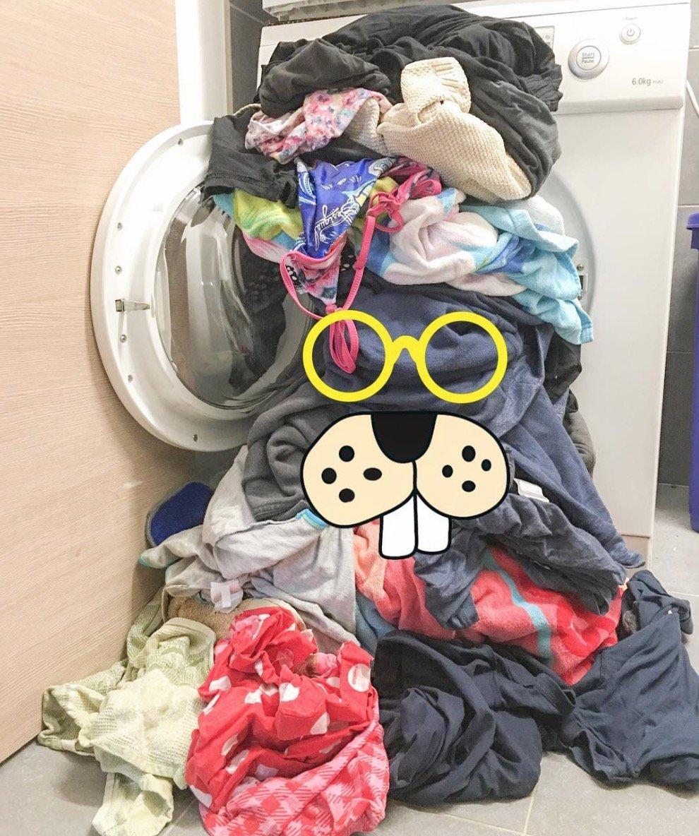 der worst case ist eingetreten die familien waschmaschine ist kaputt die w scheberge wachsen. Black Bedroom Furniture Sets. Home Design Ideas