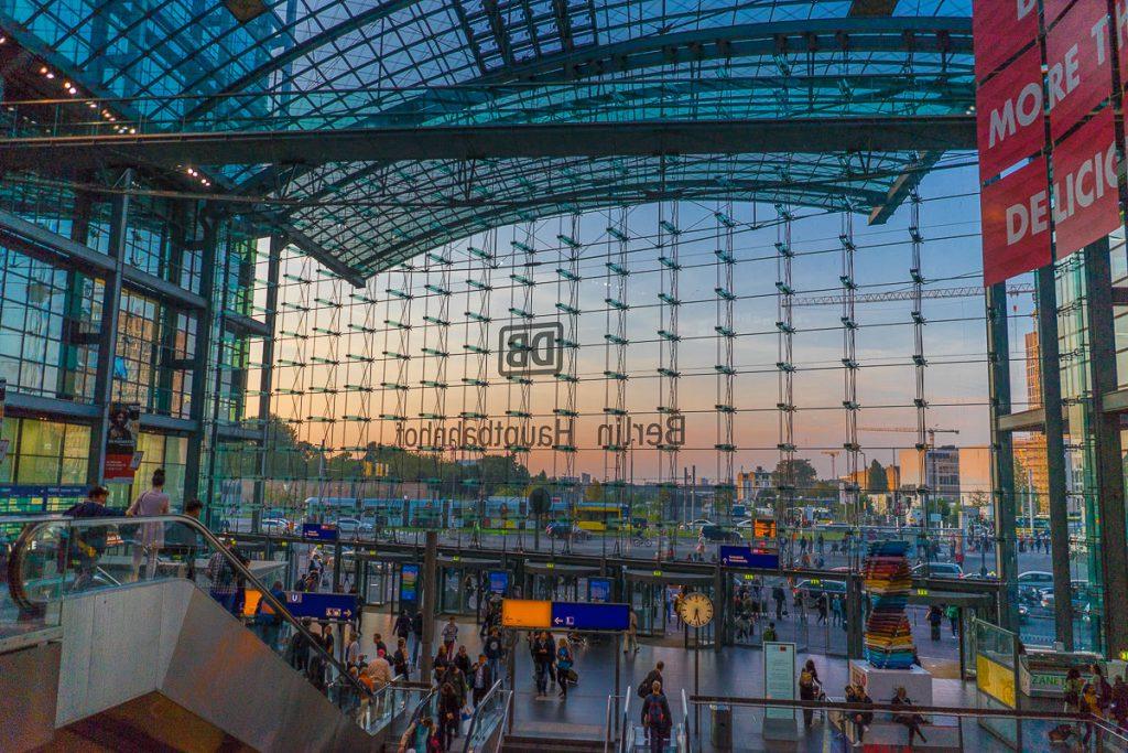 berliner Hauptbahnhof Sonnenuntergang