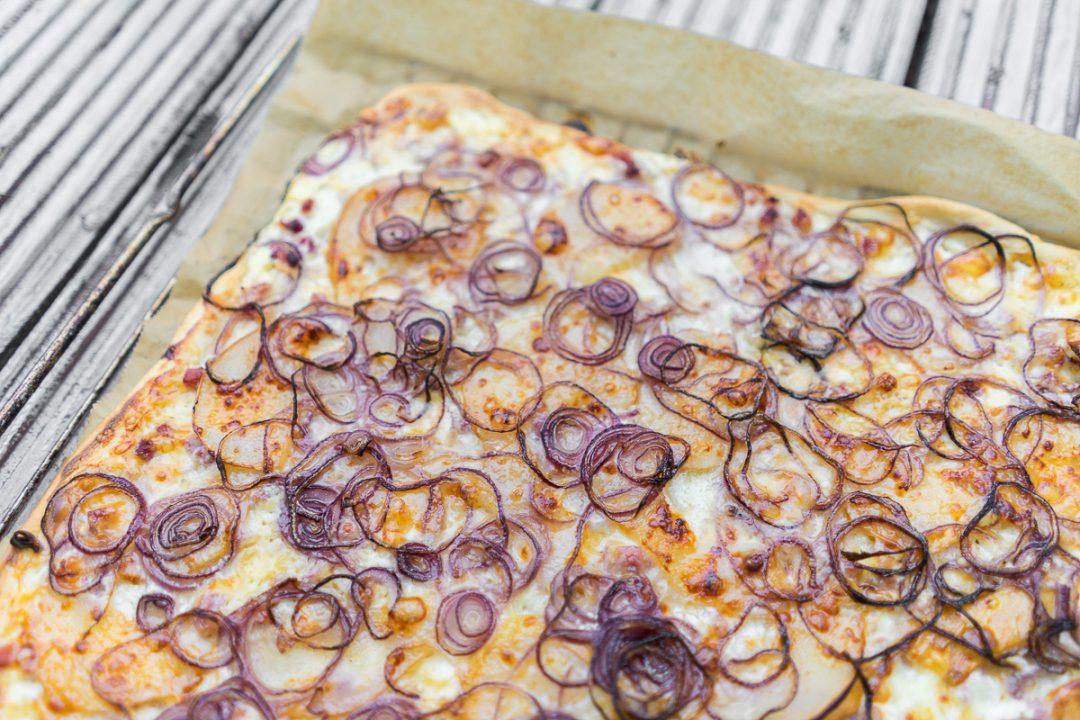 flammkuchen mit Birne Rezept