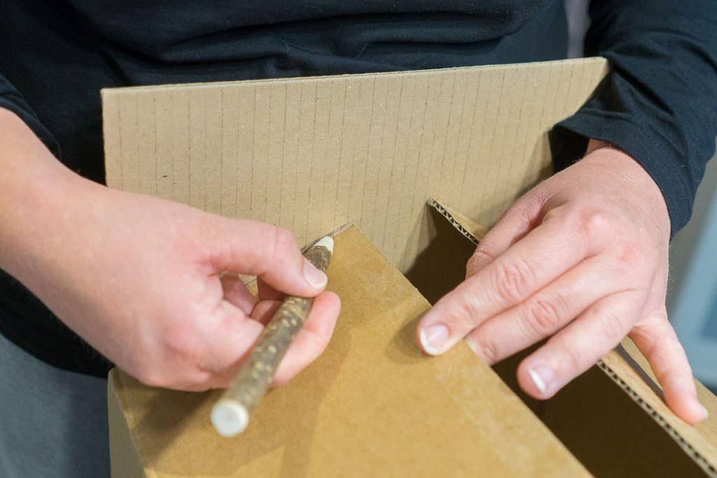 schleich Pferdestall selbst bauen Karton