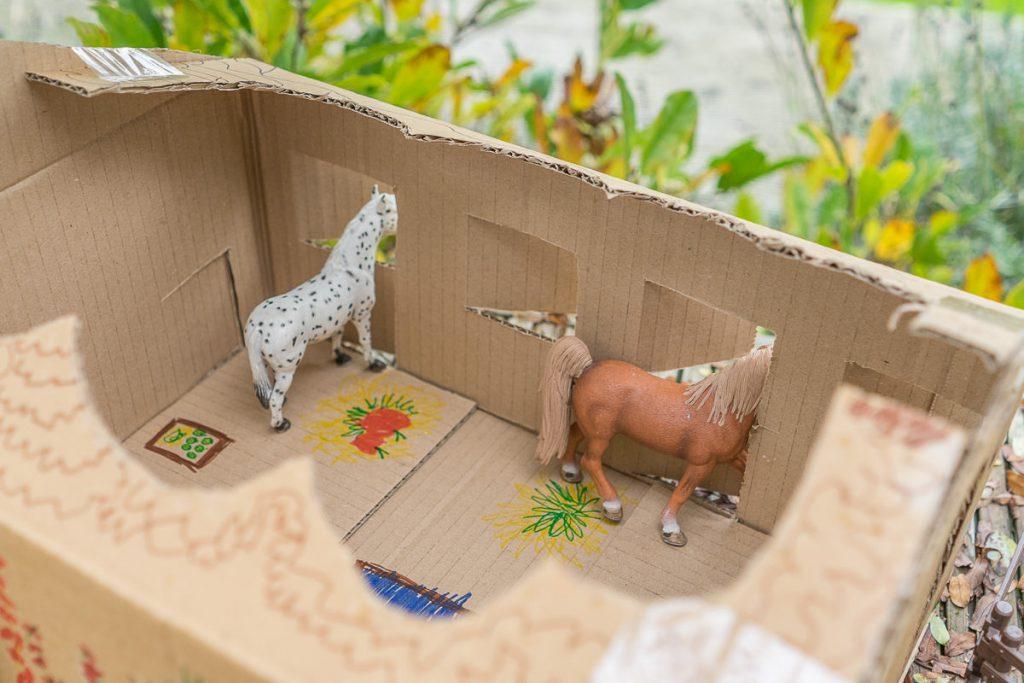 schleich pferdestall gebaut