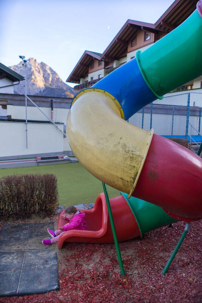 kinderhotel alpenroes lermoos rutschen