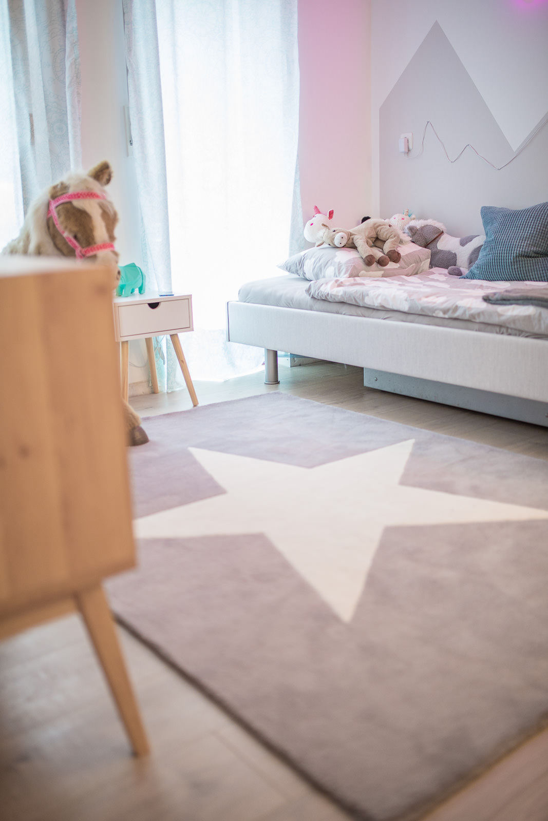 nena s kinderzimmer ist fertig wollt ihr mal sehen. Black Bedroom Furniture Sets. Home Design Ideas