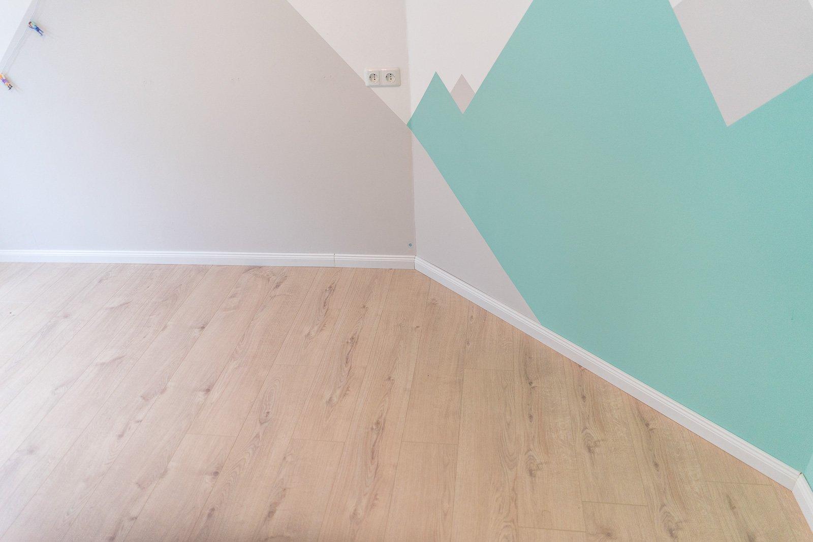 kinderzimmer renovieren teil 3 laminat verlegen. Black Bedroom Furniture Sets. Home Design Ideas