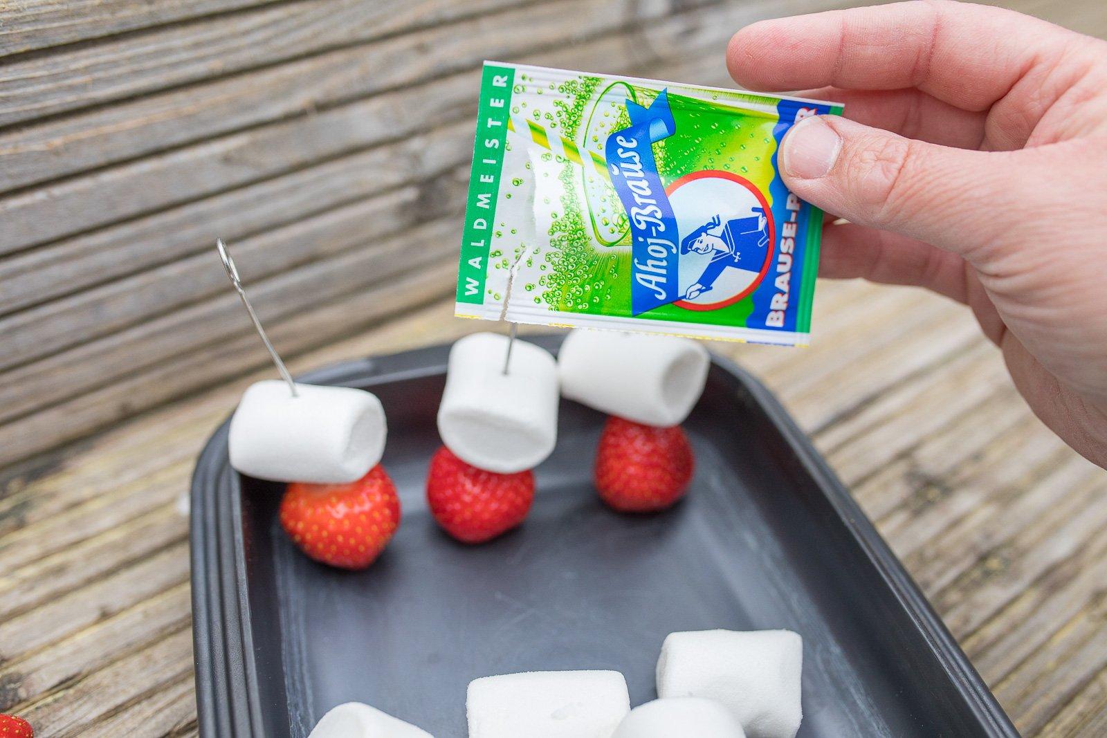 gegrillte marshmallow Erdbeeren mit ahoi brause