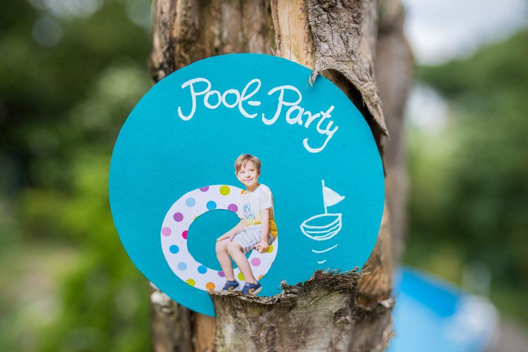 poolparty Einladungen basteln