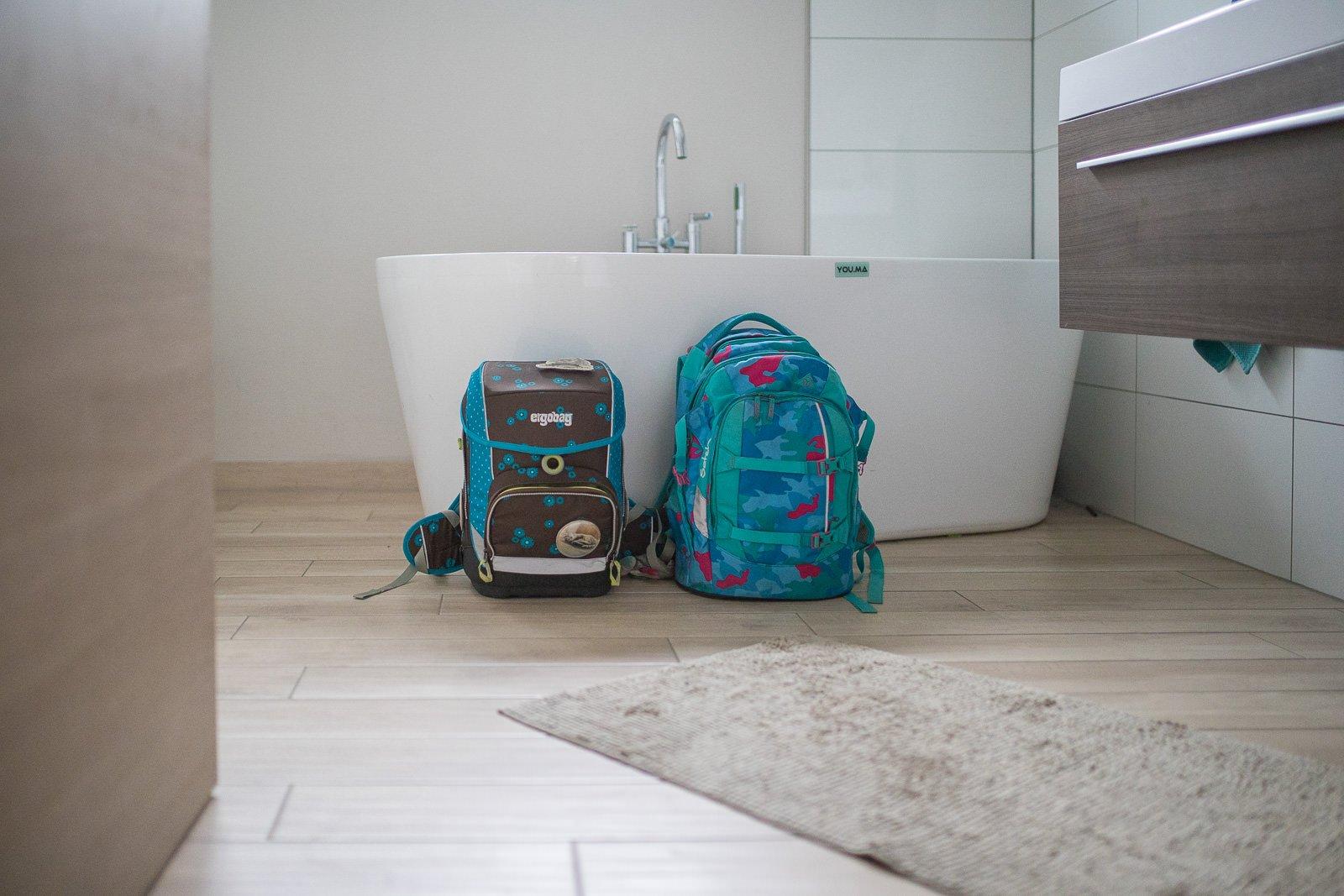 schulranzen sauber machen sp lmaschine vs handw sche. Black Bedroom Furniture Sets. Home Design Ideas