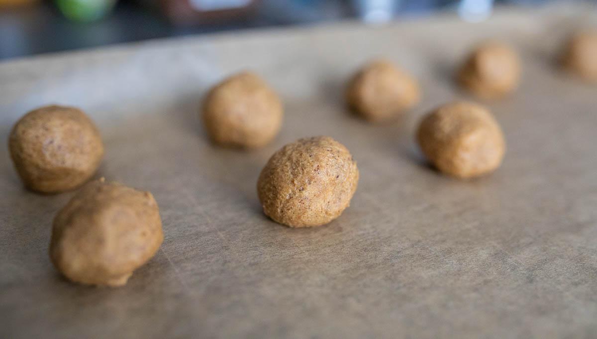 Kaffeeplätzchen kugeln formen
