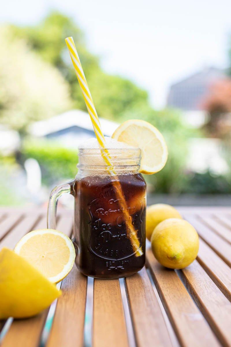 cola mit Zitroneneis Rezept